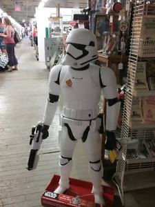 Toy collectibles, nostalgia, antiques plus 1000 booths