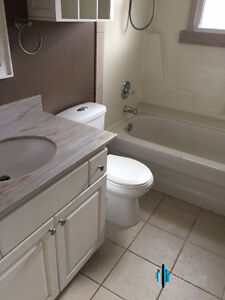 Convenient ALL INCLUSIVE Student Rental- Starting May 2017-5bdrm London Ontario image 2