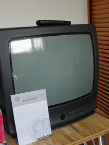 """19"""" GE TV and Samsung DVD (both with remotes) Cornwall Ontario image 1"""
