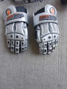 VARIOUS HOCKEY EQUIPMENT IN EXCELLENT CONDITION