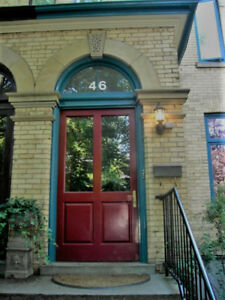 Huge 3 Bedroom Victorian Downtown