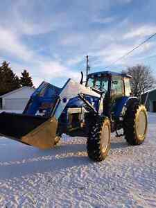 New Holland TM115 MFWD Tractor
