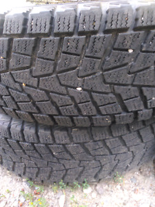 215/75 r16 winter tire set