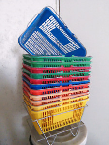 Shopping baskets 12 with stand