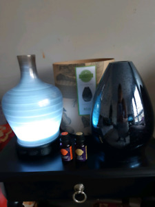 Scentsy diffuser & extra shade 2 used oils