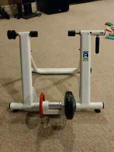 Ascente 7 speed magnetic bicycle trainer
