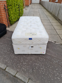 Single craftmatic adjustable bed in new new condition £150