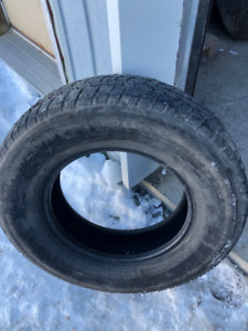 1x pneu d'hiver LT 225/75R16 10ply Michelin LTX Winter