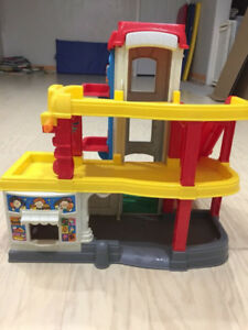Children's Fisher Price- Little People Toy