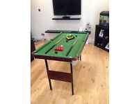 4.5 x 2.5 ft snooker/pool table