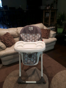 High Chair 3 in 1 by Baby Trend
