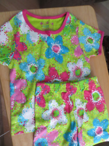 Brand new girls size 3 pajamas