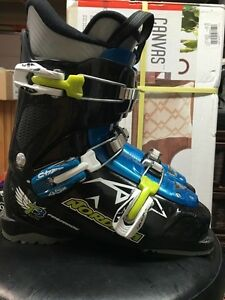 Ski Boots will fit shoe size 6.5-7  $40