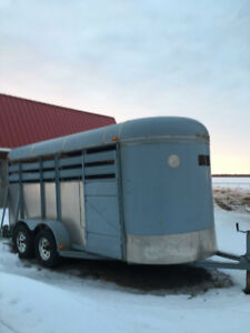 Trailer a chevaux 3 places