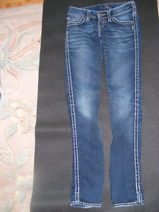 Silver Jeans Size | Kijiji: Free Classifieds in Edmonton. Find a ...