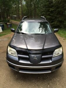 Great for the Winter - 2005 Mitsubishi Outlander SUV, Crossover