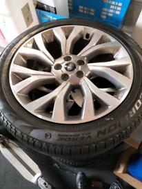 "21"" Land Rover wheelset"