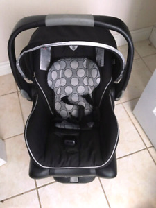 britax b safe infant care seat with base