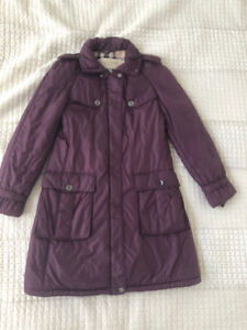 BURBERRY RAIN COAT: EXCELLENT CONDITION AND GREAT SAVINGS