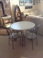 Dining table wrought iron / 4 chairs