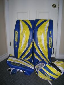 "Bauer Goalie Pads 32"" with Glove and Blocker"