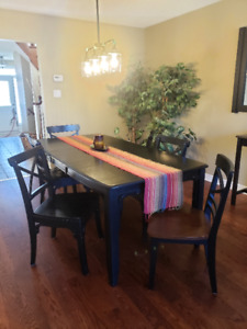 "Dining Room Table & 6 Chairs. 18"" leaf.  Solid Wood.  Black."