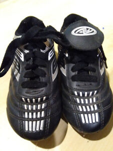 Soccer shoes - Youth size 11