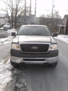 2006 Ford F 150 XLT. Triton. 4x4. Low KM