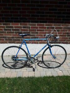 Vintage Raleigh 10 Speed Road Bike