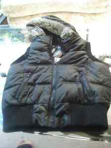 Girl's Size 6-7 Fall/Winter Quilted Vest