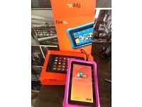 Excellent condition kindle fire kids edition 8gb with box and manual pink bargain.