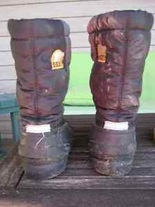 Sorel Winter Boots - Child Size 2 *EXCELLENT Condition* Prince George British Columbia image 2
