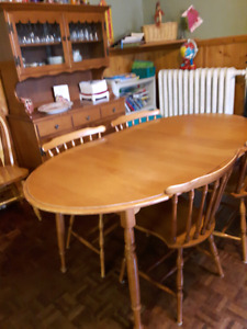 Table, Chairs, Buffet/hutch