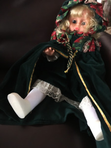 VINTAGE CRY BABY DOLL IN CHRISTMAS OUTFIT
