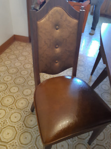 Kitchen table with 4 chairs $150