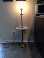 Petite Table & Lampe *** Small Table & Lamp