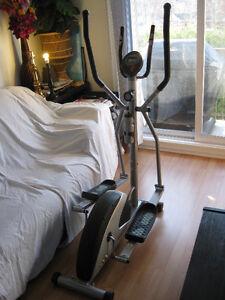 Exerciseur Elliptique Cardio Style ET-150 en parfaite condition