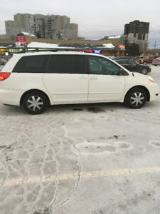 2007 Toyota Sienna LE Minivan, Van E-tested and certified