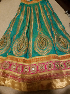 Indian Lengha in pure silk - Fully Embroidered