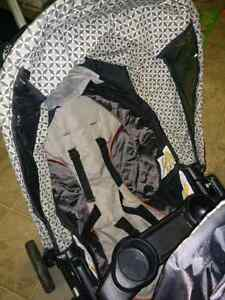 Quattro Tour® Duo Classic Connect™ Stroller   Kitchener / Waterloo Kitchener Area image 3