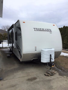 Trailbazer T2780S-SE w/ bunks