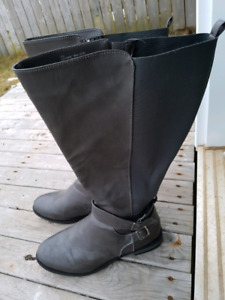 SIZE 11W GRAY WIDE CALF BOOTS LADIES