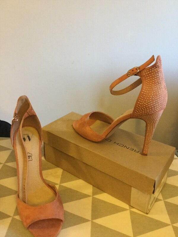 Salmon sandal, size 7(40in Croydon, LondonGumtree - Vanessa Wu. Worned once, excellent condition. Available for collection.Salmon sandal, size 7(40)
