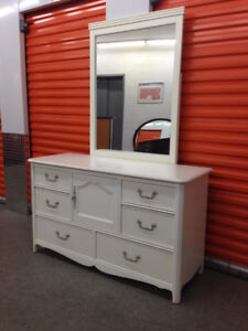 Belle commode madame  6 tiroirs blanche.. 514 476 5584