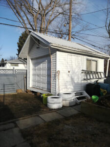 NW, 5 Bedroom Bungalow with heated, detached double garage