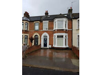 4 BED HOUSE WITH 2 RECEPTION: LANSDOWNE RD SEVEN KINGS IG3 8NE £2000 EXLUDE BILLS
