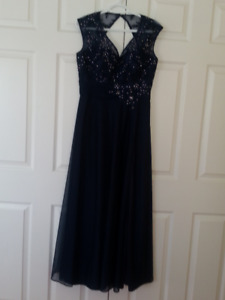 NAVY BLUE floor length Evening Gown, size 6/8