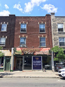 Large Retail Space Available Immediately Mont-Royal East.