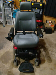 MERITS Power Wheelchair P326A Mid-Wheel Drive Moose Jaw Regina Area image 5