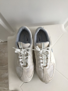 Nike sneakers Sport Athletic shoes, non-marking, women size 10